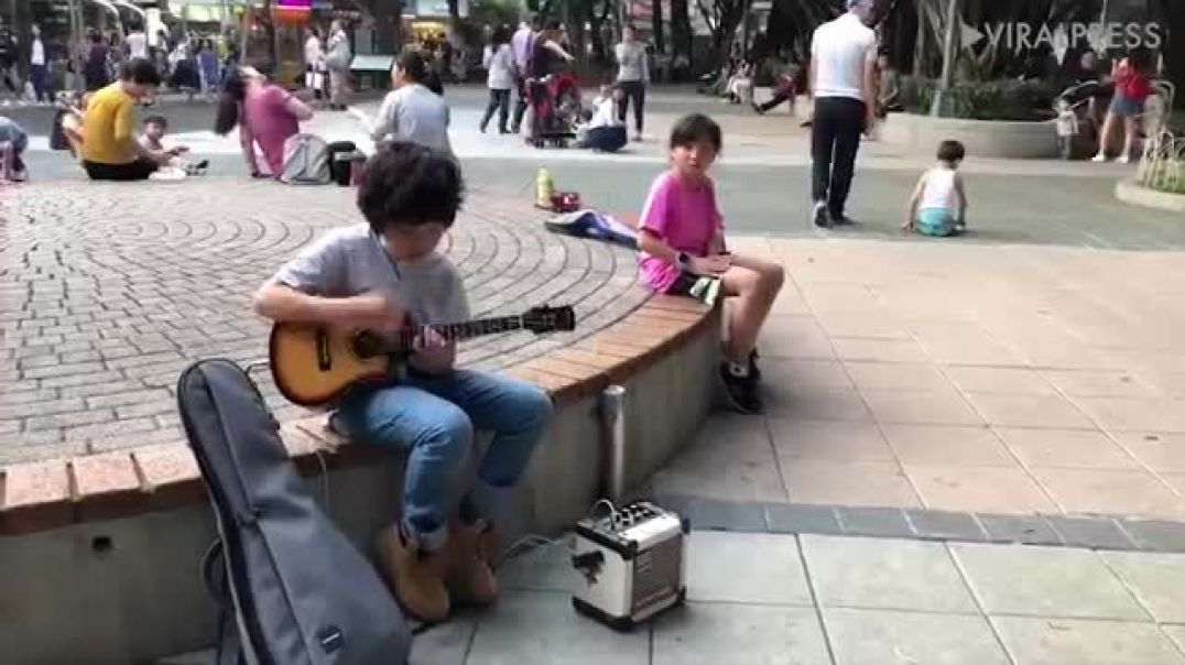Ukulele Whizz Kid From Taiwan
