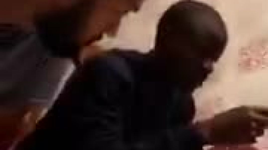 Here's a video of @nglkante at the house having a meal. His the most humblest footballersp