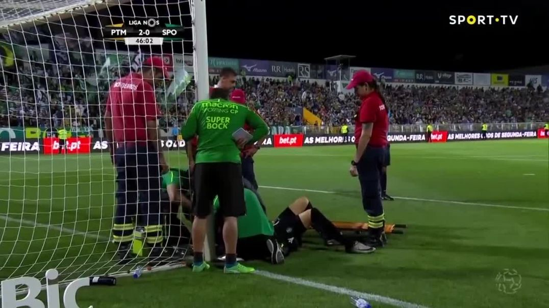 Sebastian Coates Saves Sporting Teammate Romain Salins Life During Primeira Liga Match.mp4