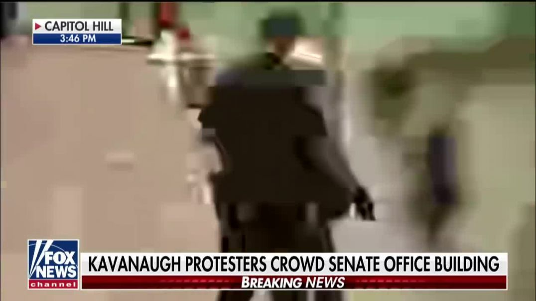 Police arrest Kavanaugh protesters on Capitol Hill.mp4