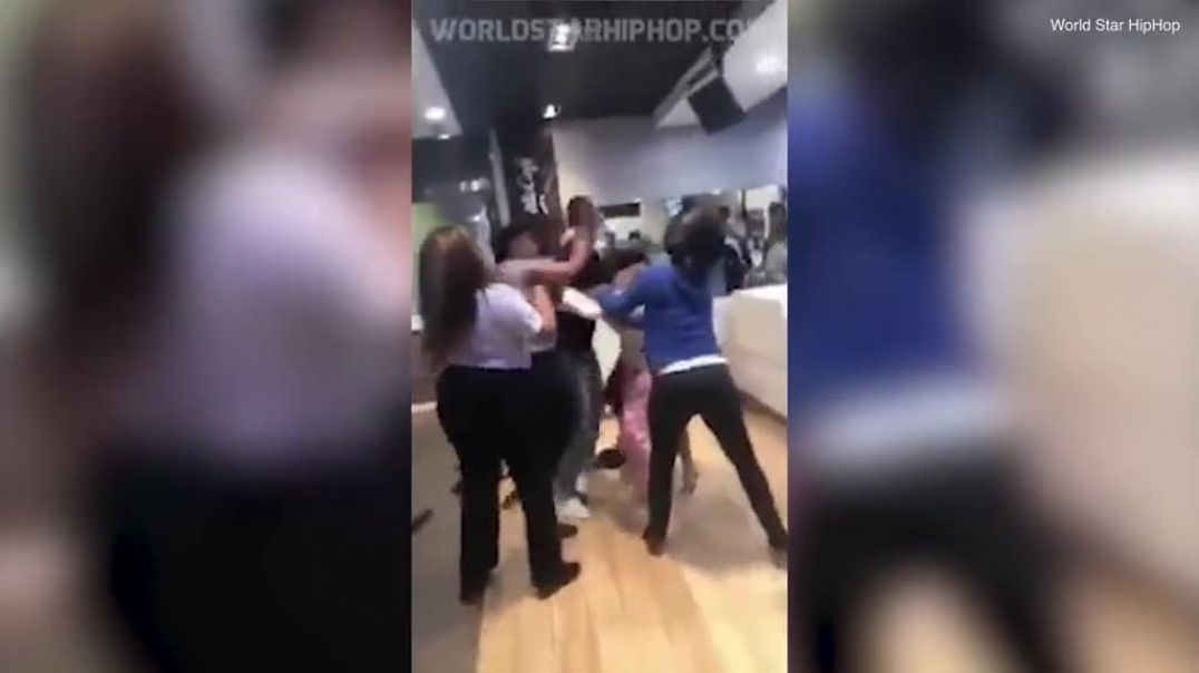 Don't know where to look! Huge brawl breaks out between McDonald's....mp4