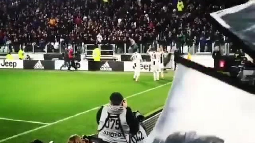 I love how the Juventus fans cheer uSIII when Ronaldo celebrates goal