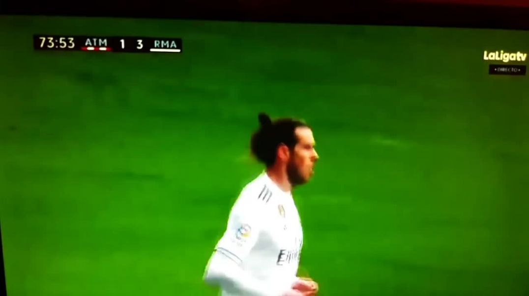 Gareth Bale awkward goal celebration vs Atletico Madrid