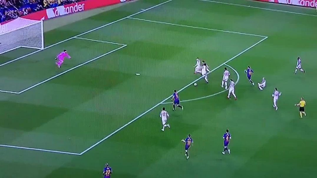 Barcelona - Liverpool 2-0 goal Messi UCL Semi-final.mp4