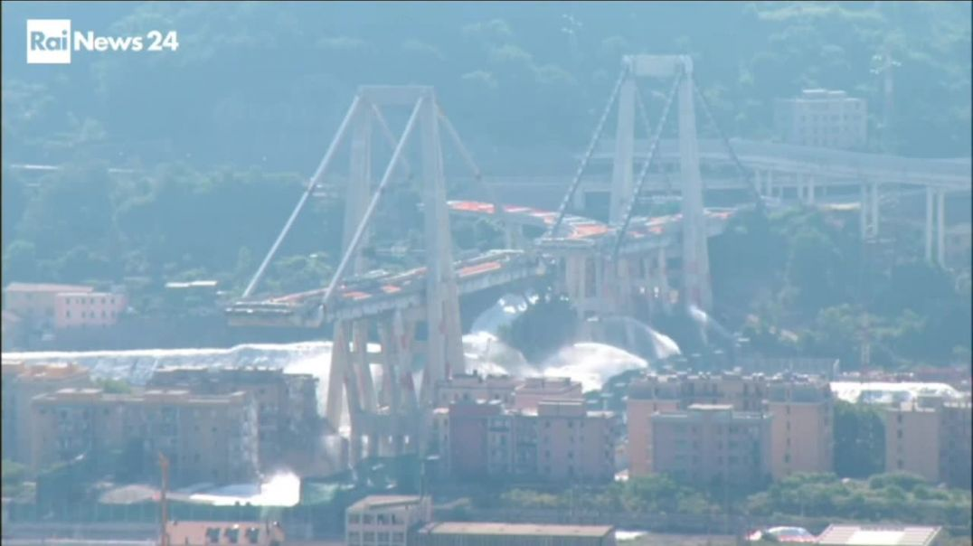 Genoa- the Morandi bridge Explosion.mp4