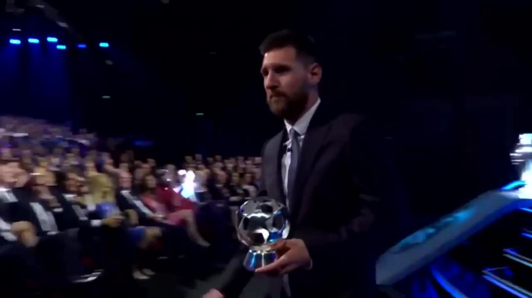 Cristiano Ronaldo's Reaction To Lionel Messi Winning UEFA Best Forward Of The Year.mp4