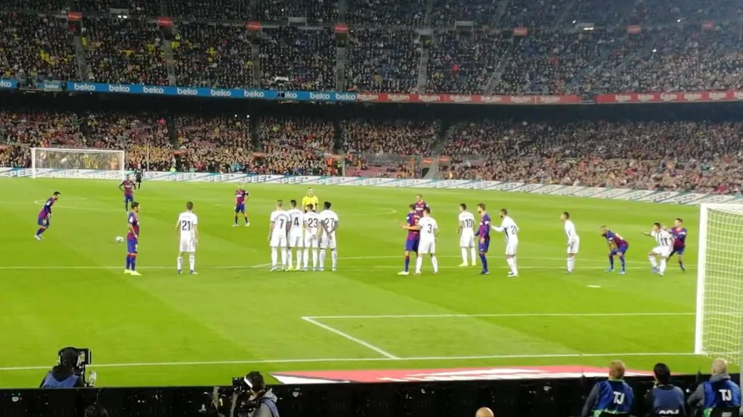 Messi Freekick Goal 3-1 FC Barcelona vs. Real Valladolid. 2019.mp4